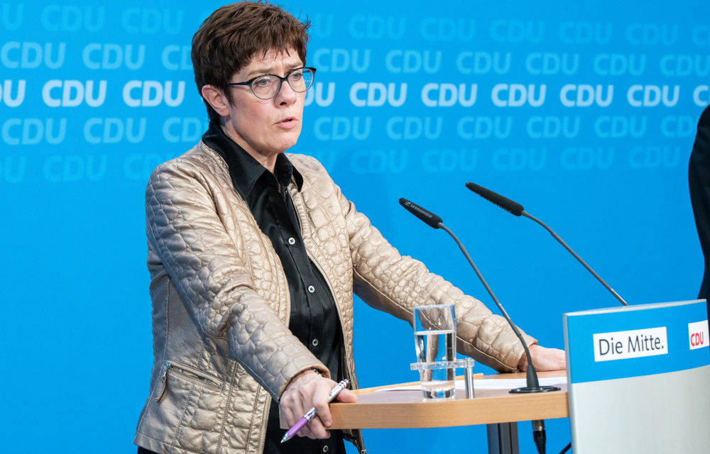CDU Genel Başkanı Kramp-Karrenbauer'ın Şakası Tepkiler Aldı