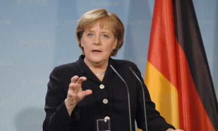 Çoğunluk Merkel'in Başbakan Kalmasını İstiyor