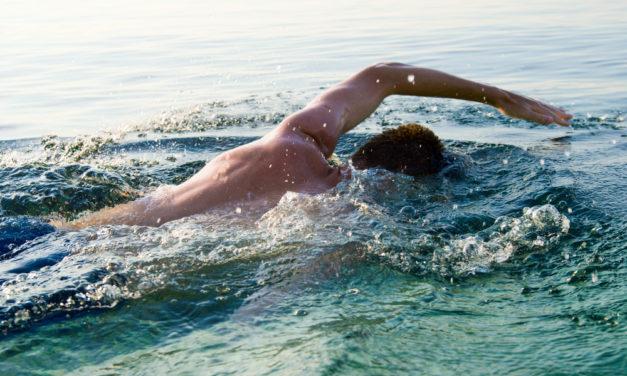 Türk yüzücü Tsugaru Boğazı'nı geçti