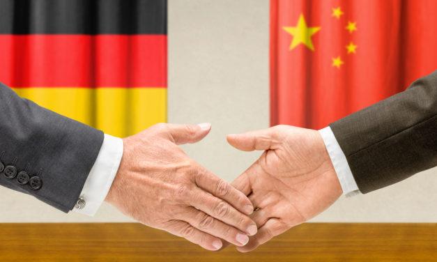 Başbakan Merkel Çin ziyaretine başladı