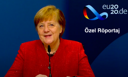 Başbakan Dr. Angela Merkel Metropol FM'e Özel Bir Röportaj Verdi.