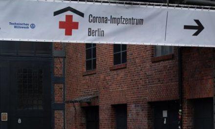 Berlin Treptow'da ki aşı merkez tekrar açıldı.